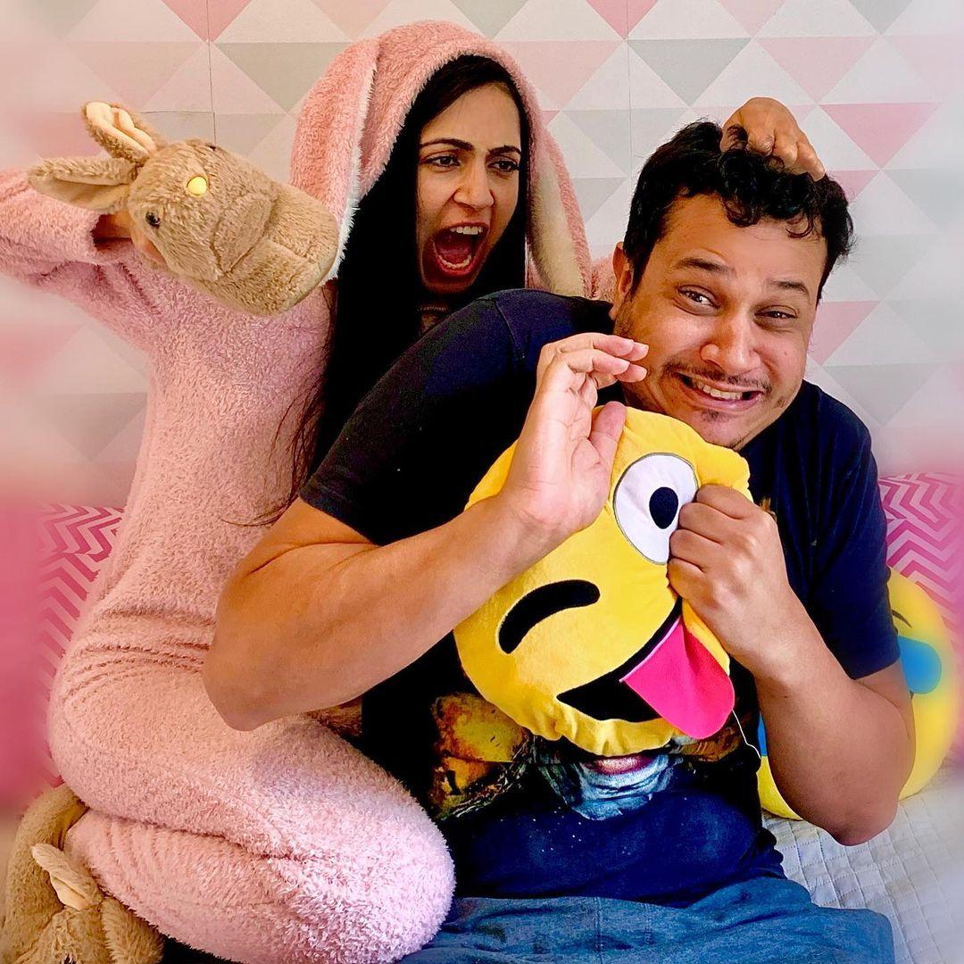 Mila e Thiago são conhecidos como o Casal mais top do role nas redes sociais.